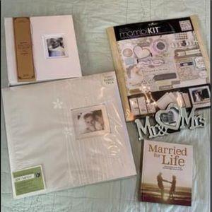 Wedding scrapbook & accessories